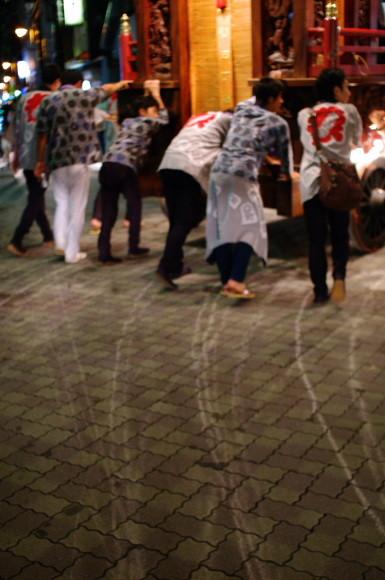 吉原祇園祭2012車輪跡