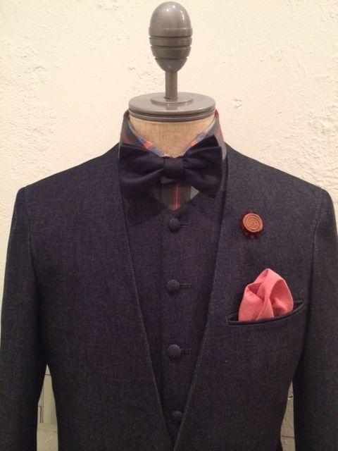 befb3b7452d4d 新郎衣装|カジュアルデニムスーツとインディゴシャツ   結婚式の新郎 ...