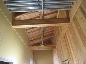 天井裏 電気配線