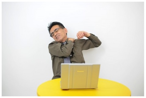 middle-aged man-relax-stiff shoulder-