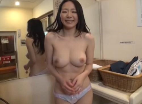 関西弁Gカップ人妻 (3)