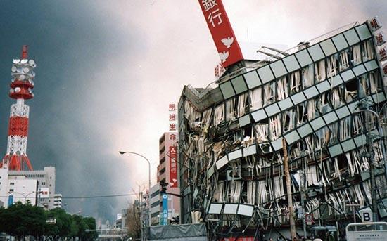 阪神 大震災 震度 阪神淡路大震災と東日本大震災はどちらの方が震度が大きかったんです....