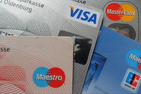 【悲報】TSUTAYAのカード更新に行ったらクレカ機能付きのがお得⇒ 極悪すぎる仕様だったwwwww