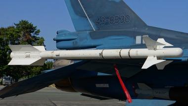 JASDF_AAM-3_in_Hamamatsu_Air_Base_20140928