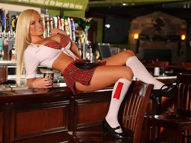 this-celtic-themed-breastaurant-is-taking-over-hooters-business