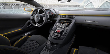 Lamborghini-Aventador-S-06