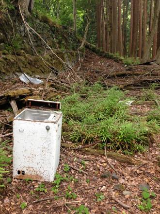 倉沢集落の洗濯機