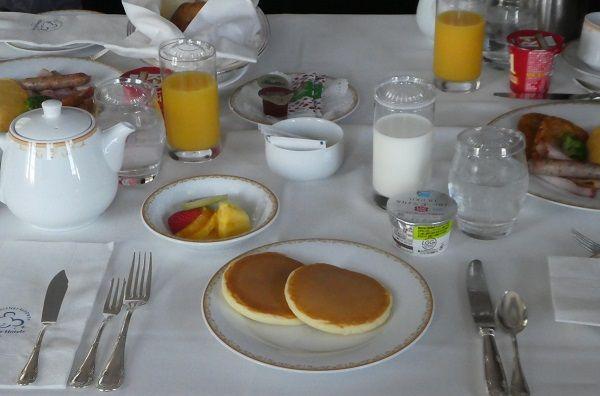 282 ランドホテルルームサービス朝食