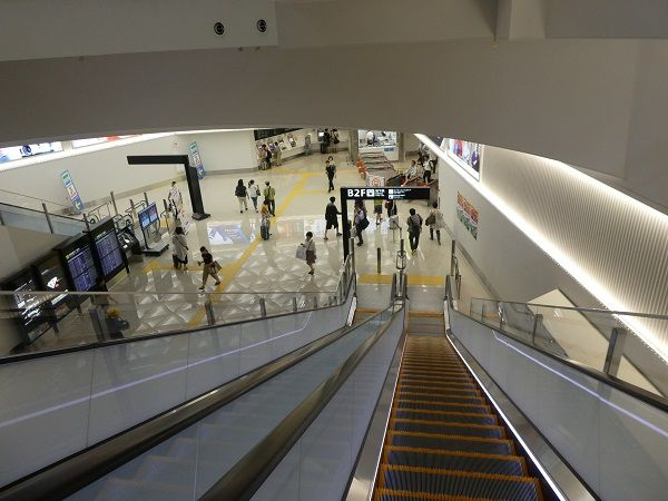 32 福岡空港