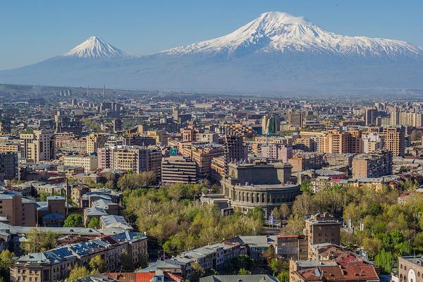 0Mount_Ararat_and_Yerevan