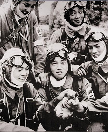 0japanese young kamikaze pilots