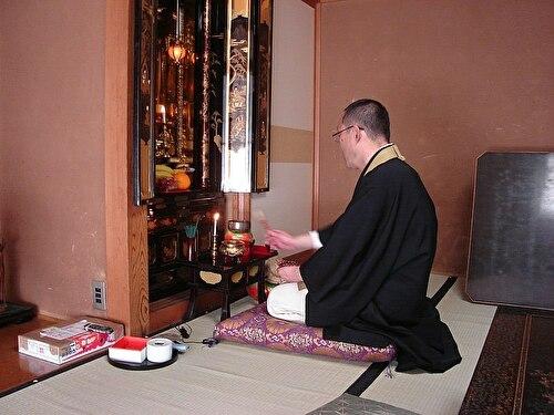 0buddhist monk chanting
