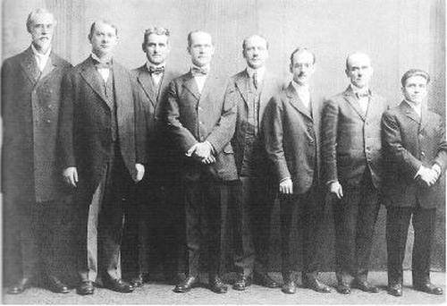 0JW governing body 1918