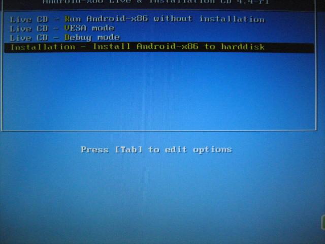 2 僕の場合はUSBメモリの領域を3つに分けて、一つはPuppyLinux、もう一つがlinuxBean、さらにAndroidx86となっています。USBメモリはsdbと表されることが多いよう