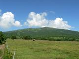 根子岳と牧場