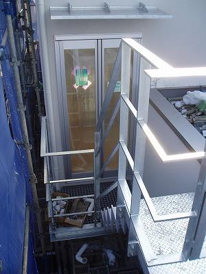 鉄骨階段設置・100203 (9)