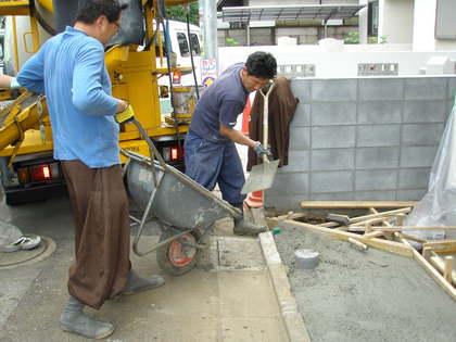 コンクリート打設・090519 (1)