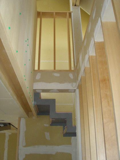 下地処理・階段室・090430