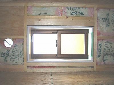 2F納戸引違い窓・091006