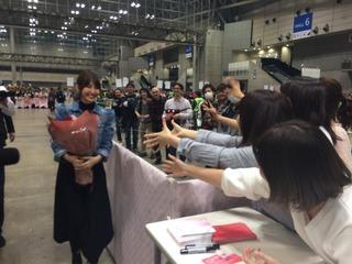 AKB小嶋陽菜、最後の握手会終了http://shiba.2ch.net/test/read.cgi/akb/1489903229/