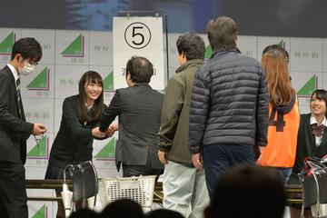 高橋希良ちゃんの握手会に来たヲタのモノマネhttp://shiba.2ch.net/test/read.cgi/akb/1479529854/