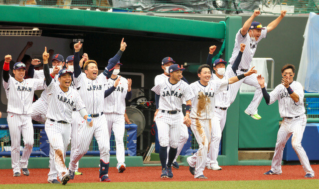 田中将大さんのジャンプ力、凄すぎる…