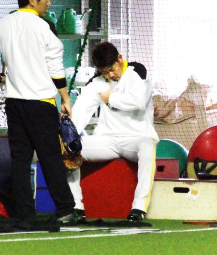 松坂大輔、先発回避 右肩また異変か