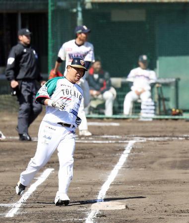 【朗報】 村田修一さん、独立リーグで無双してしまう