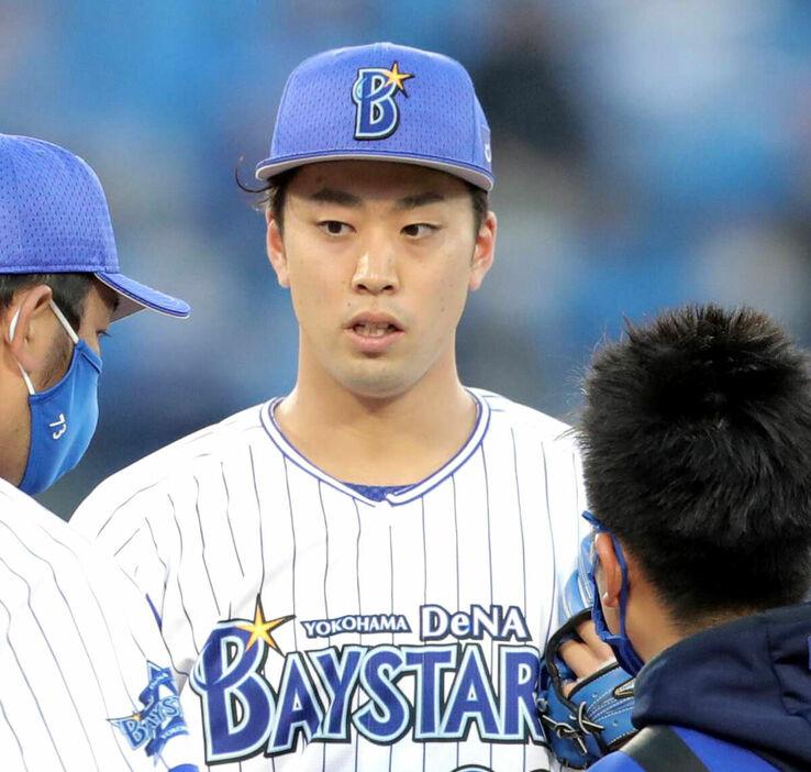 DeNA・ドラ1入江(0勝4敗 防御率7.85) 右肘の張りでリハビリ調整へ
