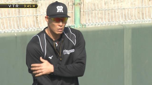 阪神・糸井、ランニング中にフリー打撃の打球が直撃するアクシデント
