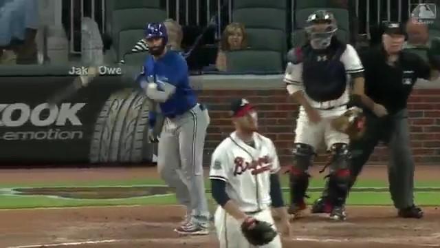 【悲報】 メジャーリーグ、バット投げしただけで乱闘