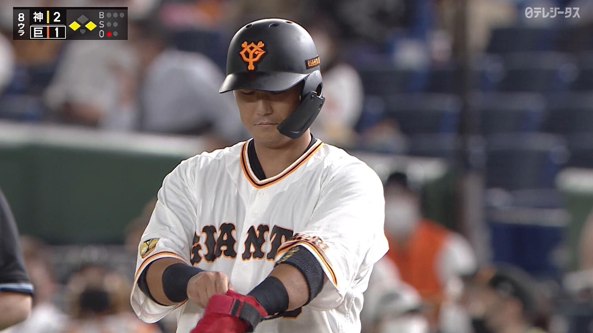 中田翔、チャンスを広げるヒットを放ちガッツポーズwwww