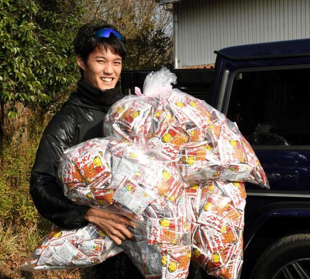 藤浪、西谷監督にベビースターラーメン750袋差し入れ! ←これ殺人だろ