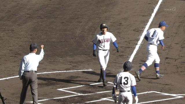 【センバツ】 明秀日立の1番打者、試合開始と同時に三塁打!と思いきやアウトwwww