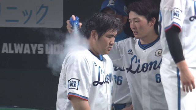 【悲報】 西武ドームさん、ドームなのに気温38.5度… おかわりが熱中症に