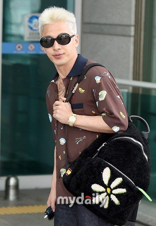 "【BIGBANG NEWS】【PHOTO】BIGBANGのSOL、海外スケジュールのため香港へ出国""空港でも溢れるオーラ"""