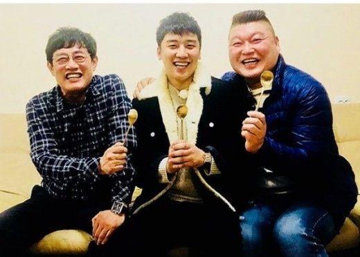 """【BIGBANG NEWS】BIGBANGのV.I、イ・ギョンギュ&カン・ホドンとの3ショット公開""""満面の笑顔"""""""