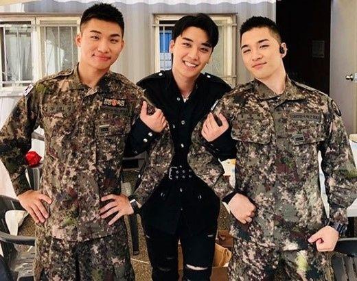 【BIGBANG NEWS】BIGBANGのV.I、入隊中のD-LITE&SOLと再会…3ショットが話題「兄さんたちに会いに来た」