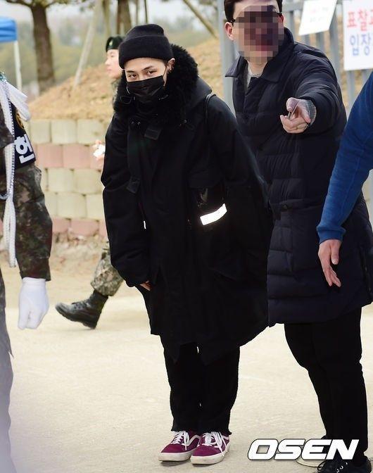 【BIGBANG NEWS】入隊中のG-DRAGON、右足首に異常…手術のため入院