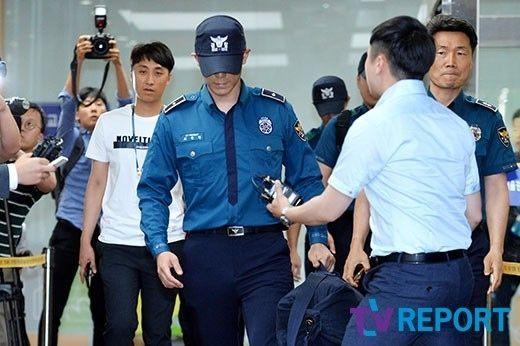 【BIGBANG NEWS】BIGBANGのT.O.P、在宅起訴で職務解除へ…警察所前で姿を撮られる