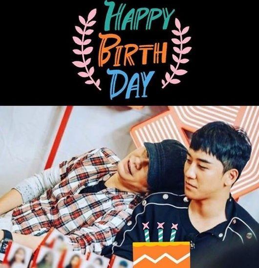 """【BIGBANG NEWS】YGヤン・ヒョンソク代表、BIGBANGのV.Iの誕生日を祝う…""""寄り添う2人"""""""