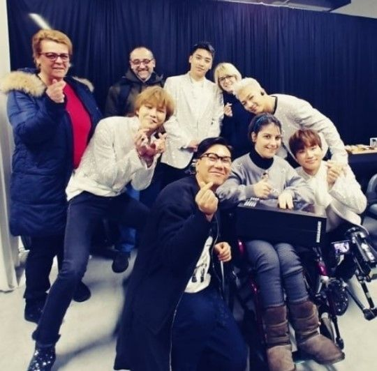 【BIGBANG NEWS】BIGBANGと楽屋で笑顔…イ・サンミン、イタリア人ファンと共にコンサートを観覧「最高!」