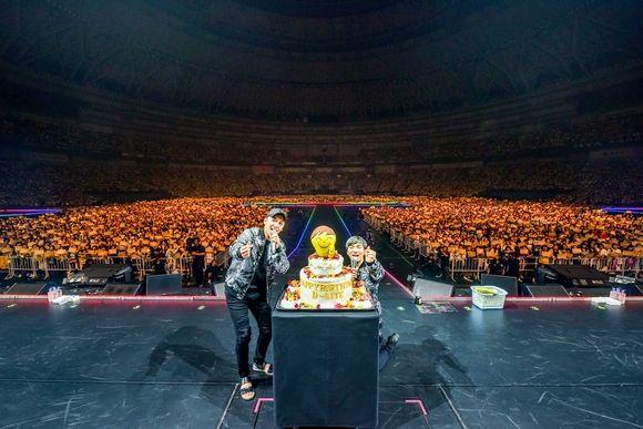 【BIGBANG NEWS】BIGBANGのD-LITE、ソロツアー最終日のゲストにびっくり!緊急来日したV.Iが誕生日をお祝い