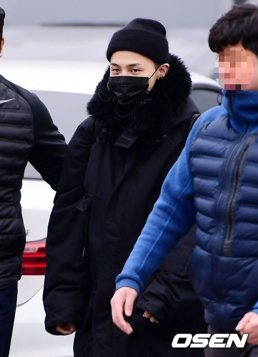 "【BIGBANG NEWS】""入隊中""G-DRAGON、ファンからの見舞いメールにより部隊の業務が麻痺状態に…YGが自制を呼びかけ"