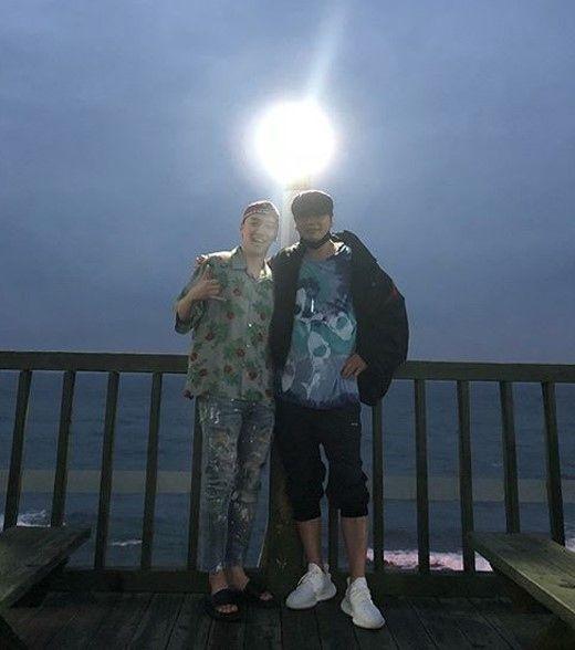 "【BIGBANG NEWS】YGヤン・ヒョンソク代表&BIGBANGのV.I、済州島での仲睦まじいツーショット公開…""深い絆を誇示"""