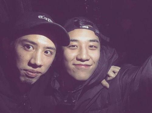 "【BIGBANG NEWS】BIGBANGのV.I、ONE OK ROCKのTakaと偶然再会""10年来の友達"""