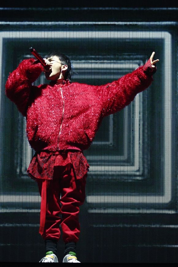 【BIGBANG NEWS】BIGBANGのG-DRAGON、ソロドームツアーラスト東京ドームはメンバーV.Iがサプライズ出演!大盛況にて閉幕