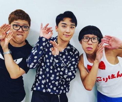 【BIGBANG NEWS】BIGBANGのV.I、ひょっこりはんと話題のポーズ…トレンディエンジェル、HIKAKINとの集合写真を公開