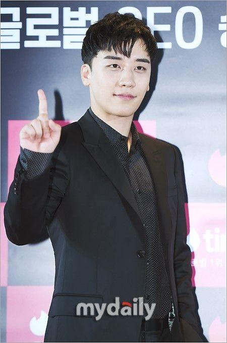 "【BIGBANG NEWS】BIGBANGのV.Iが最近の悩みを告白「BIGBANGがカムバックしたら""おじさんアイドル""と呼ばれそう」"