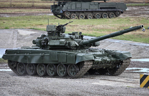 1920px-T-90A_MBT_photo010